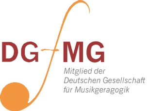 Musikgeragogik_Tischharfe_Veeh_Caroolin Weiser_Musikunterricht_Elchingen_Ulm